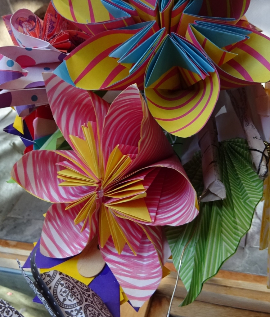 This image has an empty alt attribute; its file name is kusadama-flower-e1592498250915.jpg
